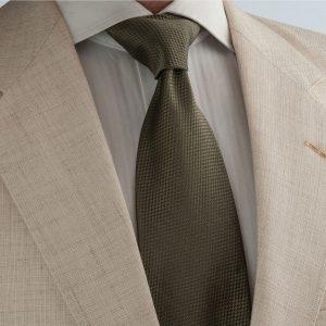 khaki sand solid color limited edition luxury handmade very light weight como silk buy silk neckties online χακί το χρώμα της άμμου μεταξωτή γραβάτα πανάλαφρη για γάμο